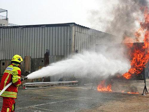 Hướng dẫn sử dụng vòi rồng phun chữa cháy an toàn hiệu quả - Bảng giá uy tín
