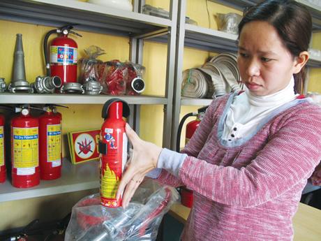 Bán bình chữa cháy mini cho ô tô xe tải giá rẻ - Bảng báo giá 2016 ảnh 4