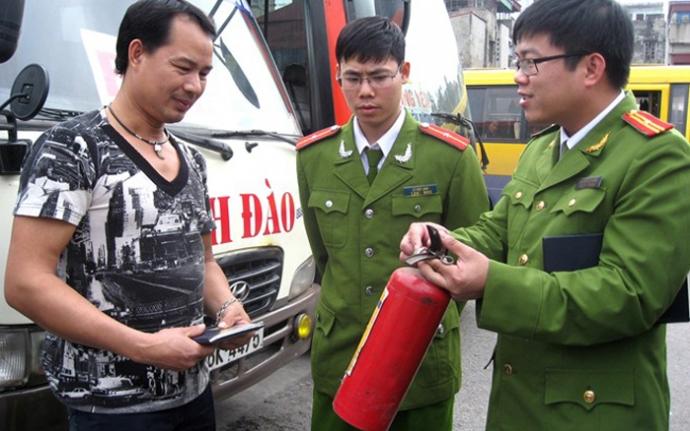 Hình ảnh bình chữa cháy bột 8kg BC MFZ8 cho xe tải